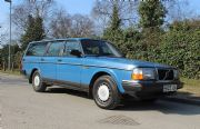 Volvo 240GL sells for £8384 at SWVA